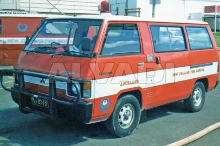 Mitsubishi L300 (LO3_P/G/L0_2P/L03_P)